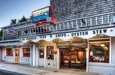 Mo's Chowder: Original Mo's in Newport